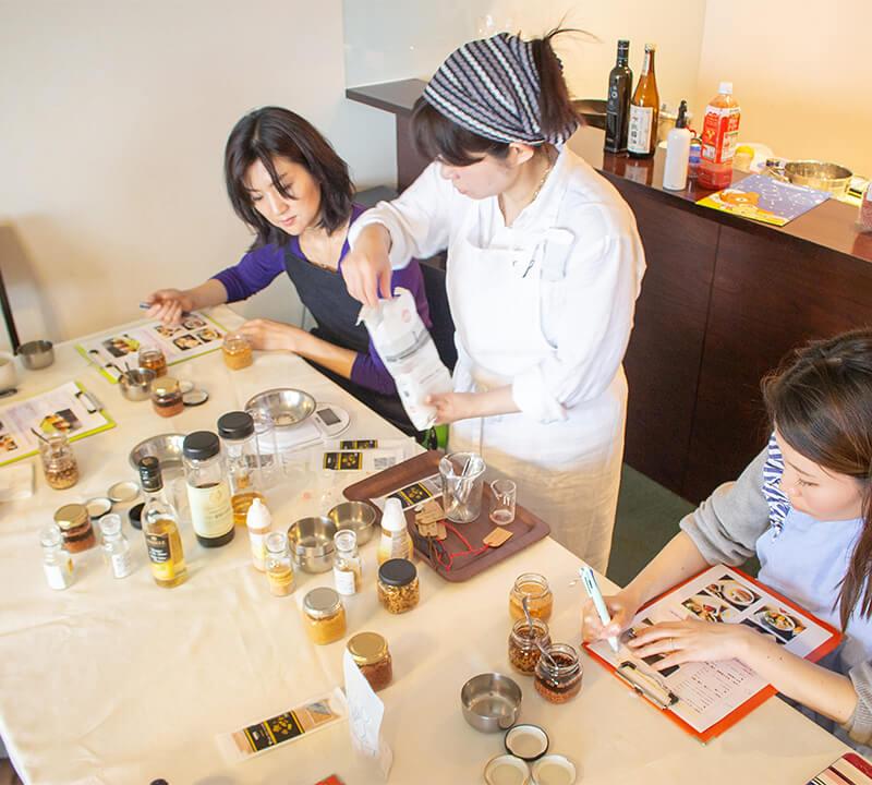 大島みどり先生の料理教室の様子